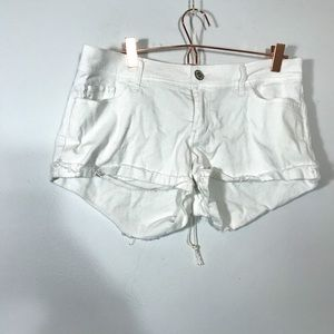 HOLLISTER • Low Rise White Shorts | 9